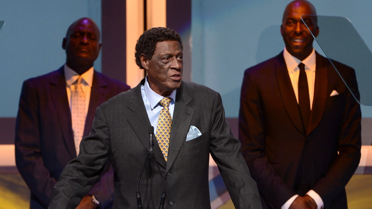 Elgin Baylor, en una gala reciente. (Getty)