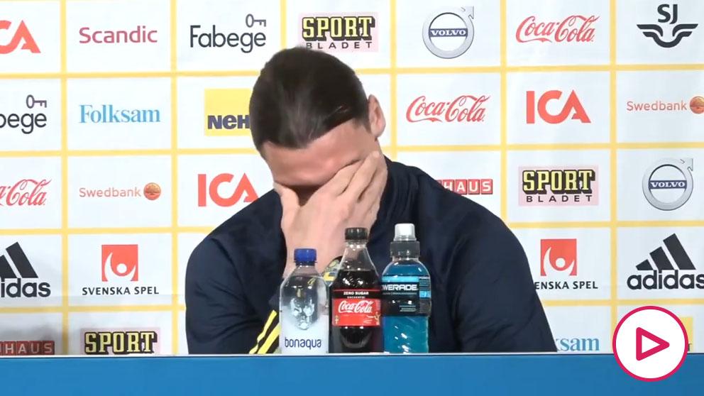Ibrahimovic rompe a llorar en su regreso a la selección sueca.
