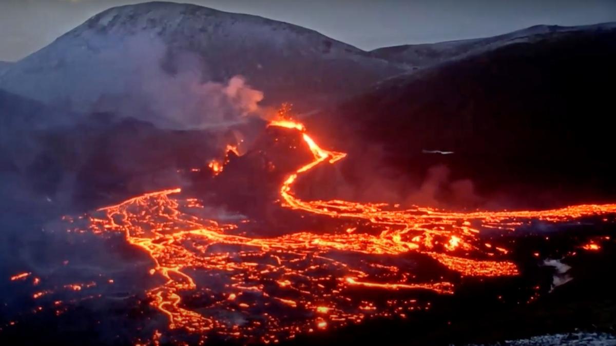El volcán islandés en erupción