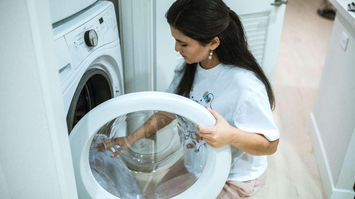 La lavadora es un electrodoméstico imprescindible en el hogar