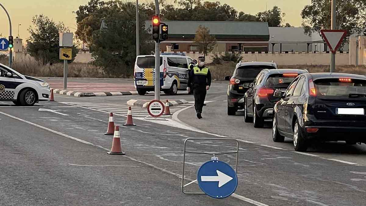 Control policial por las restricciones del coronavirus. Foto: EP
