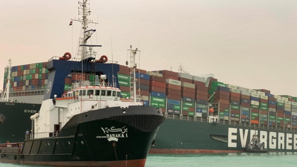 El carguero Ever Given colapsa el Canal de Suez