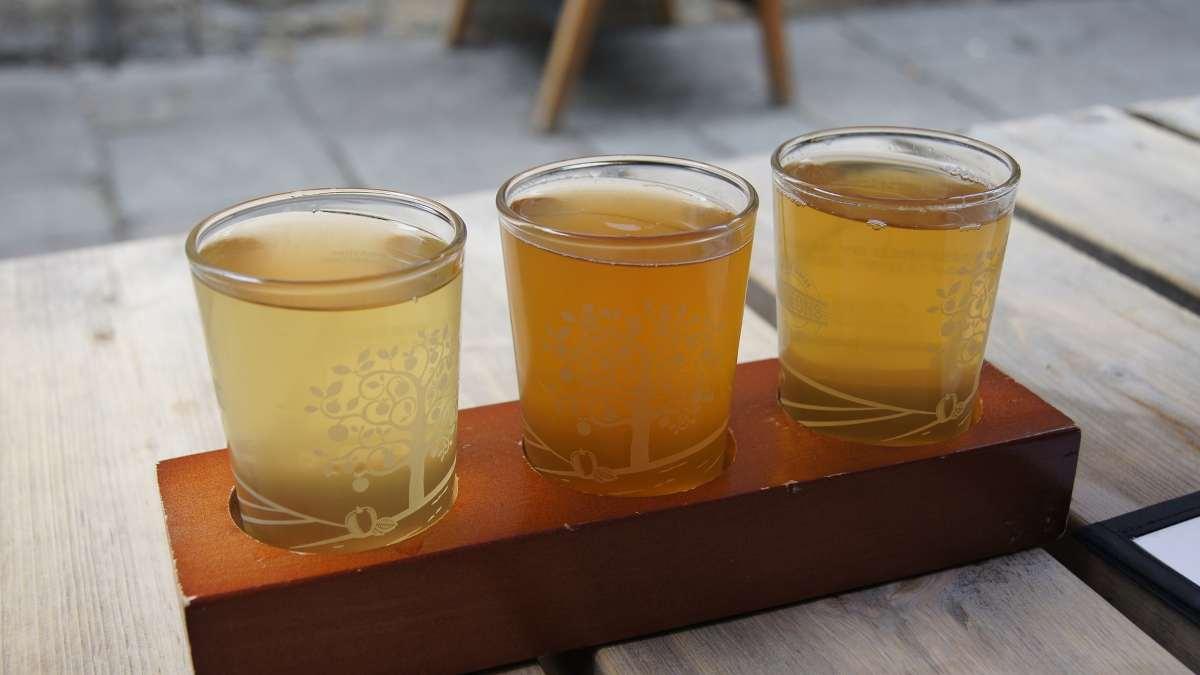 Bebida de sidra de jengibre y manzana, receta saludable