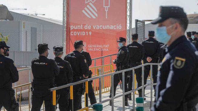 cataluña-policia-nacionale-vacuna-astrazeneca