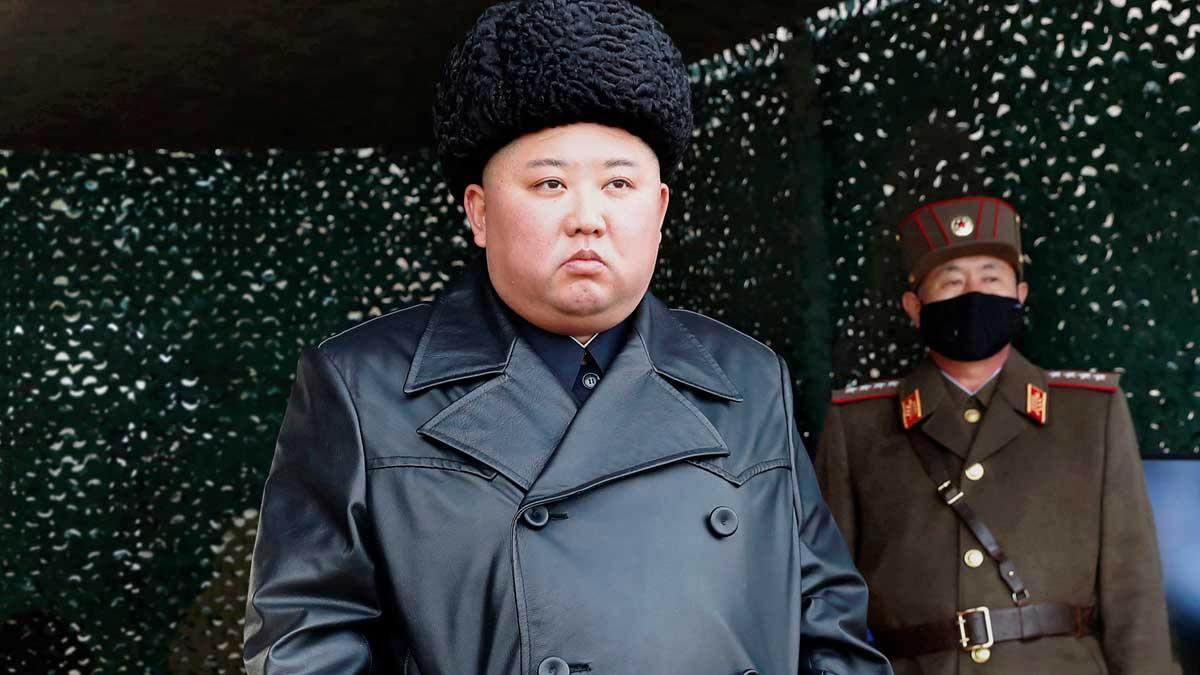 Kim Jong-un, dictador de Corea del Norte, durante un ensayo militar. Foto: EP