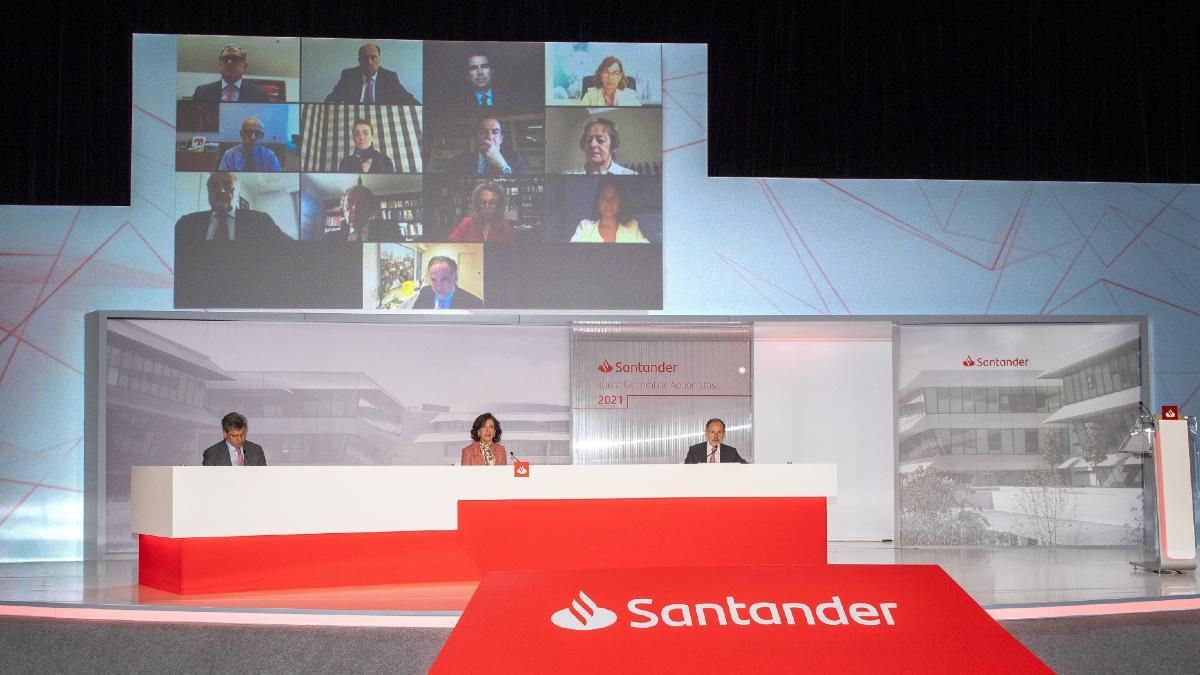 Ana Botín en la junta de accionistas de Banco Santander