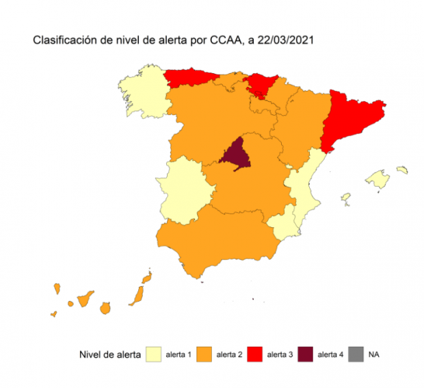 España lleva 5 semanas con menos contagios de los que Sánchez fijó para justificar el estado de alarma