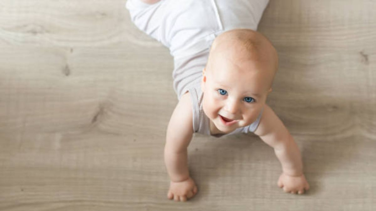 Cómo es la etapa del gateo en el bebé