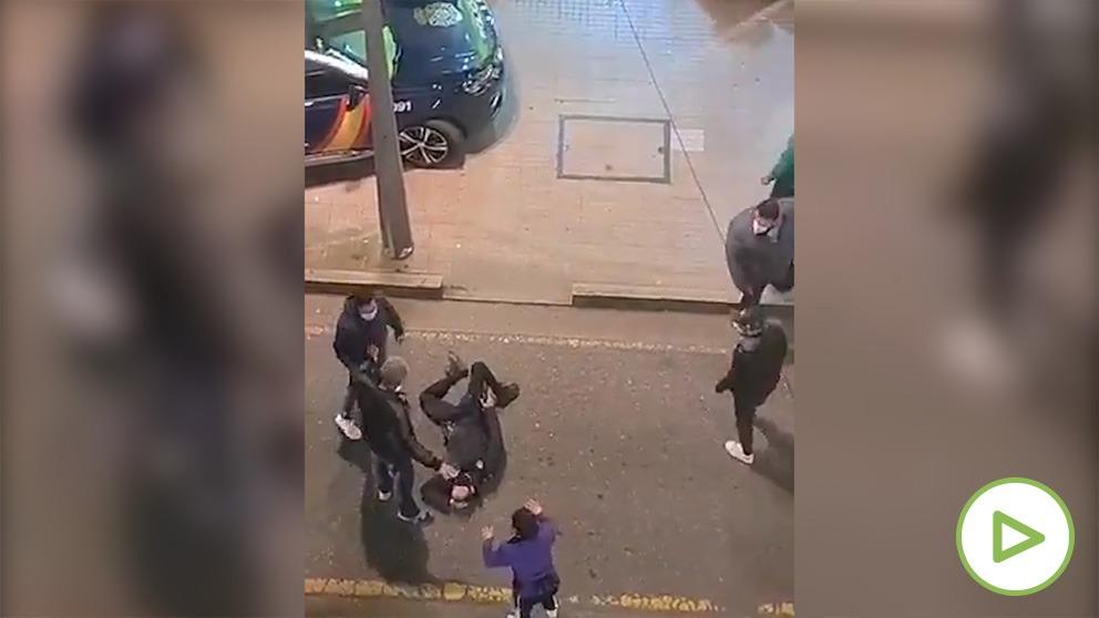 Video paliza policia mascarilla pntevedra