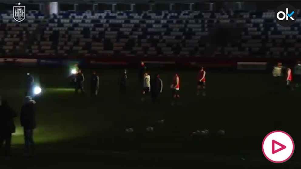 Apagón en el estadio mientras entrenaba España: ¿sabotaje en Georgia?