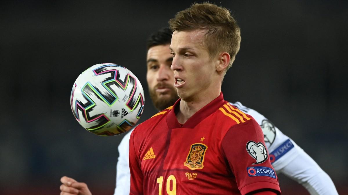 Dani Olmo controla un balón ante Georgia. (AFP)