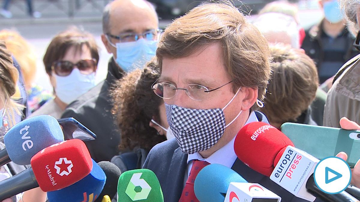 Almeida culpa a Sánchez de las aglomeraciones en Madrid: «Los cierres tienen estas consecuencias».