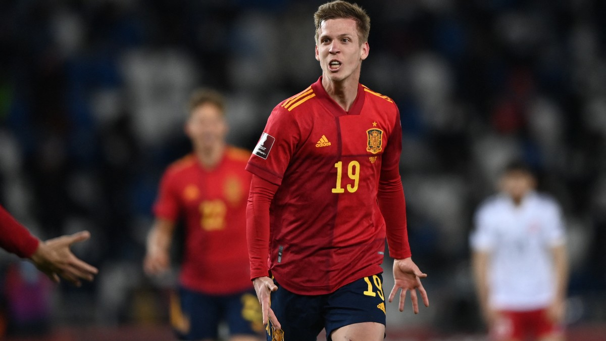 Dani Olmo celebra un gol con España. (AFP)