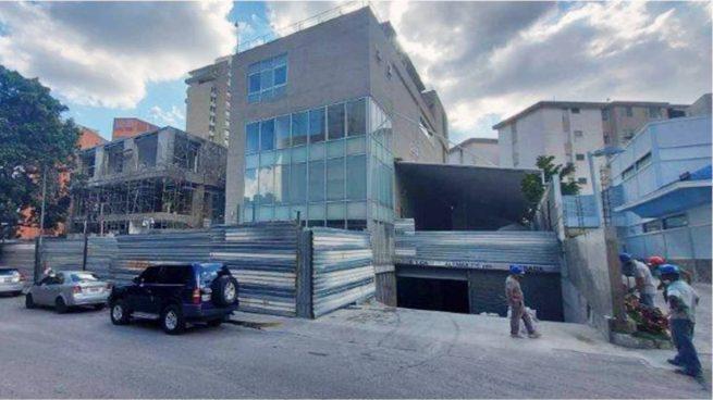 Un informe lleno de datos incorrectos sirvió para ampliar en 396.564 € el coste de la reforma de la Embajada