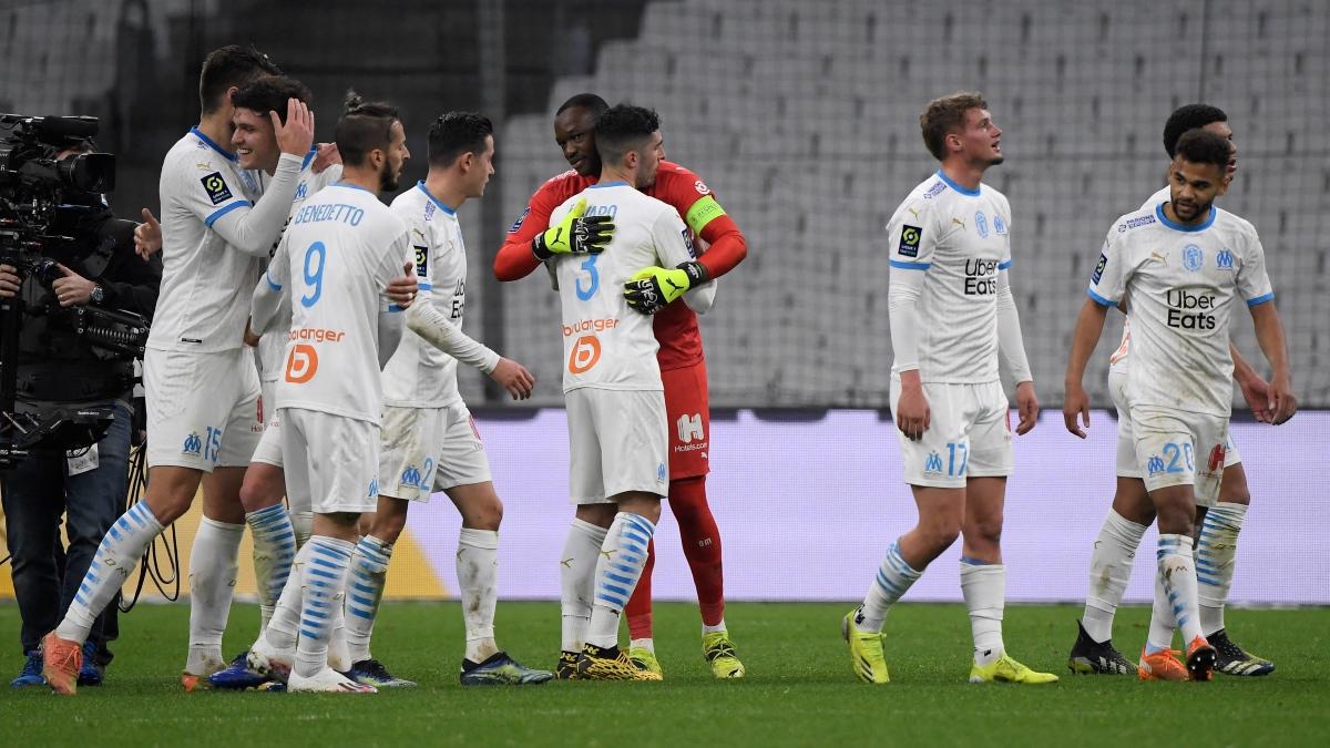 Jugadores del Olympique de Marsella celebran un gol. (AFP)