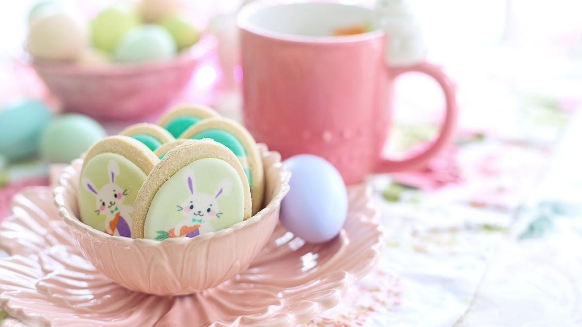 Galletas de chocolate blanco al microondas, receta para hacer con niños en Pascua