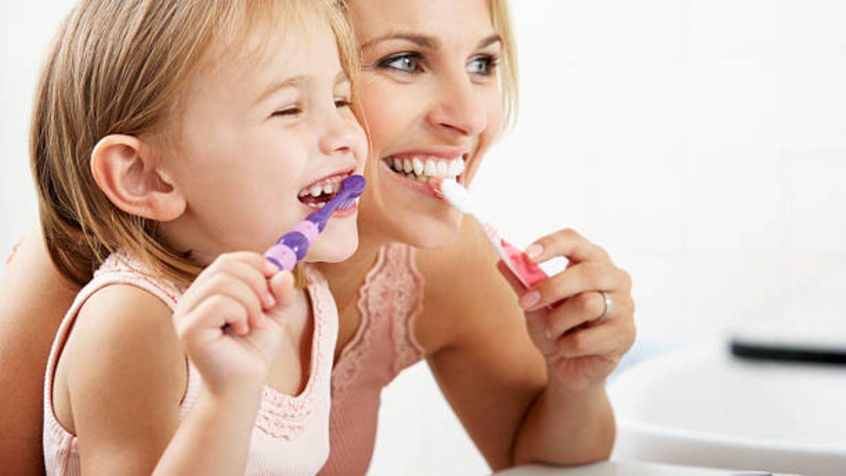 Cómo conseguir que los niños se laven los dientes a diario