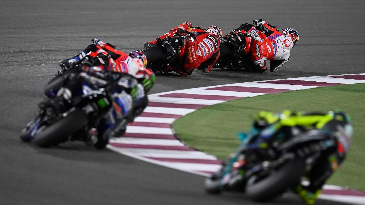 Los pilotos de MotoGP durante el GP de Qatar. (AFP)