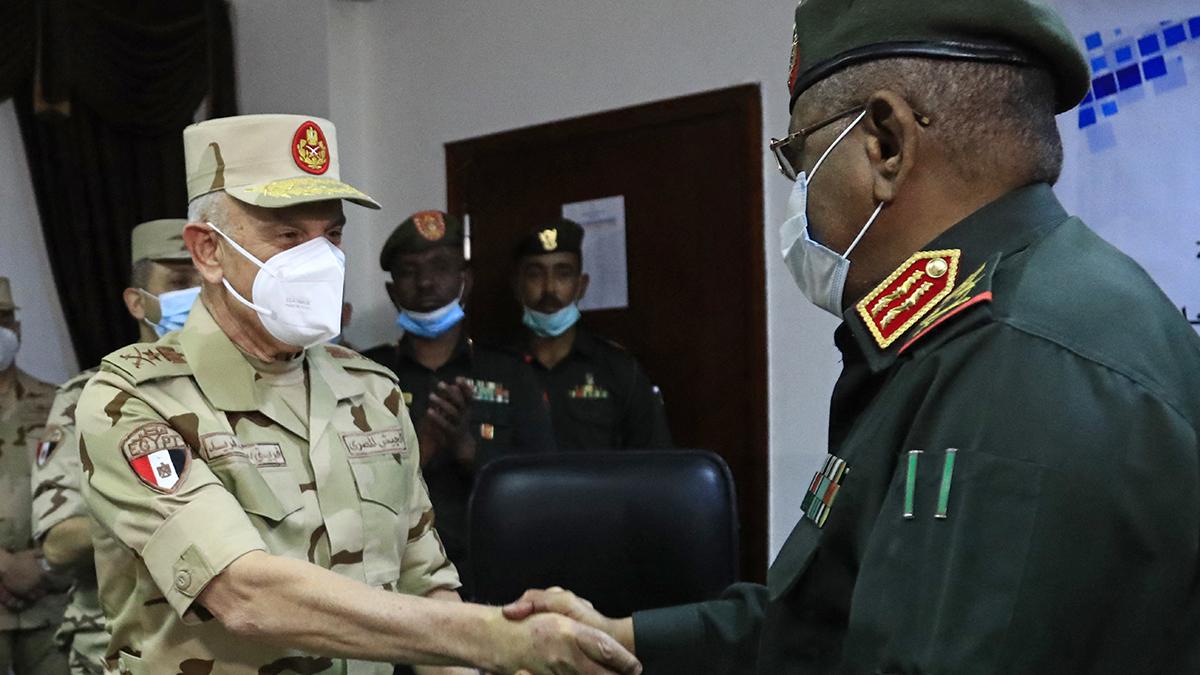 Los jefes militares de Egipto y Sudán han intensificado la cooperación militar bilateral.