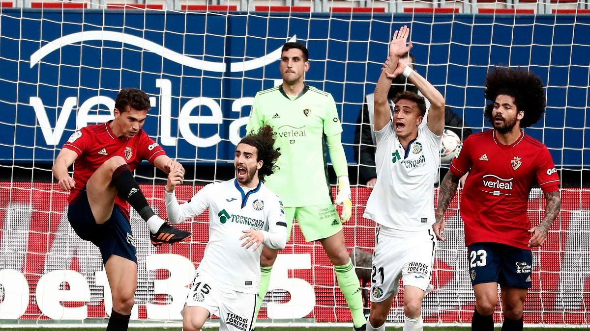 Osasuna y Getafe durante un partido de Liga. (EFE)