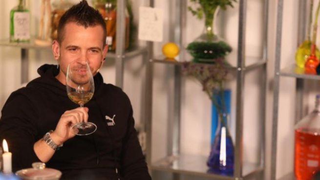 David Muñoz indigna a media España con su 'paella' de pollo a la brasa Jamaicana