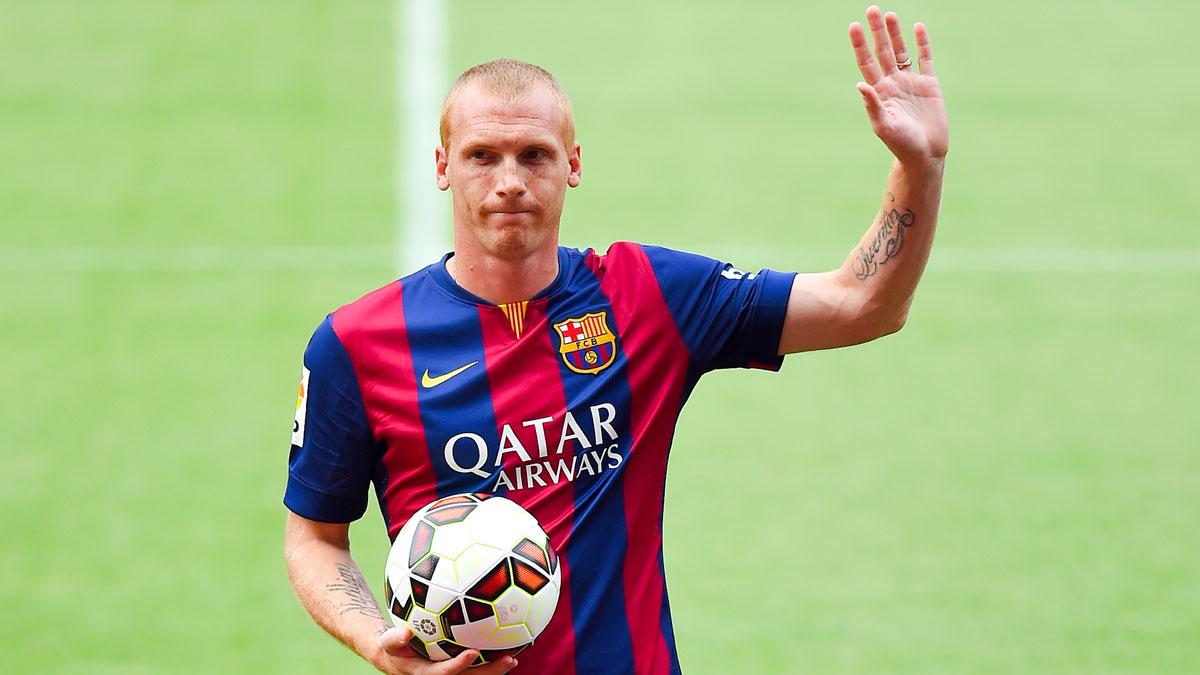 Mathieu, en su presentación como nuevo jugador del Barcelona en 2014 (Getty)