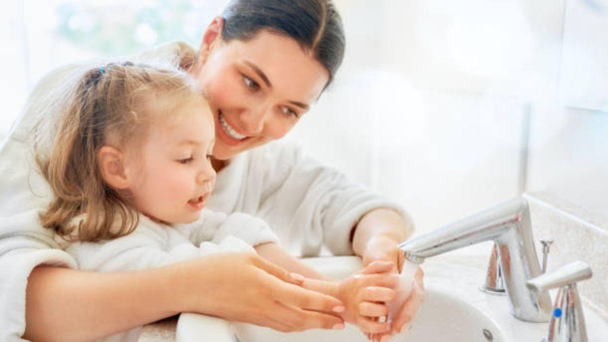 De qué modo podemos educar a un niño en su higiene personal