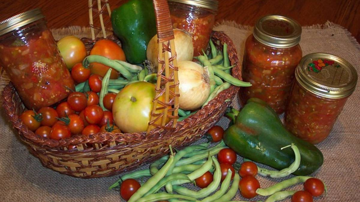 Tomates y pimientos escabeche