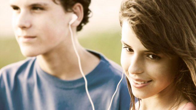 Los pasos para motivar a un hijo adolescente con problemas