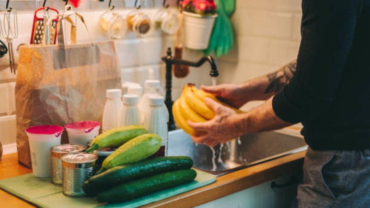 Los métodos para lavar de manera eficaz frutas y verduras