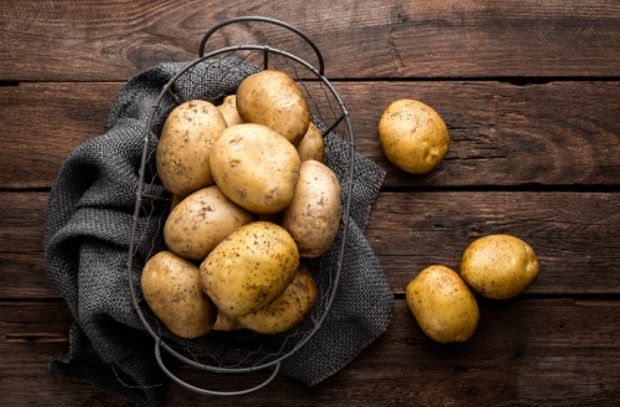 Cómo pelar patatas de forma rápida y sencilla