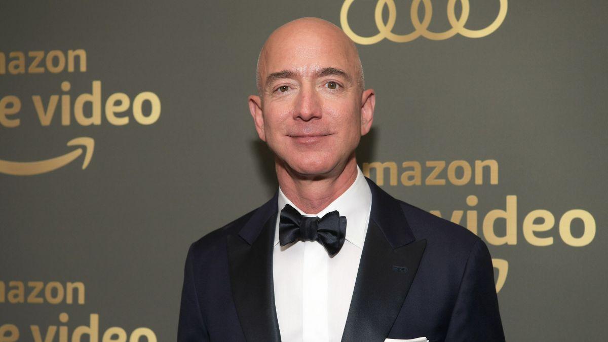 El modesto coche propiedad de Jeff Bezos