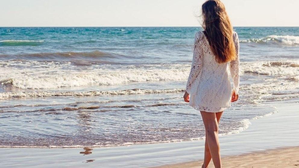 ¿Cuándo llevar y cuándo no la mascarilla en la playa?