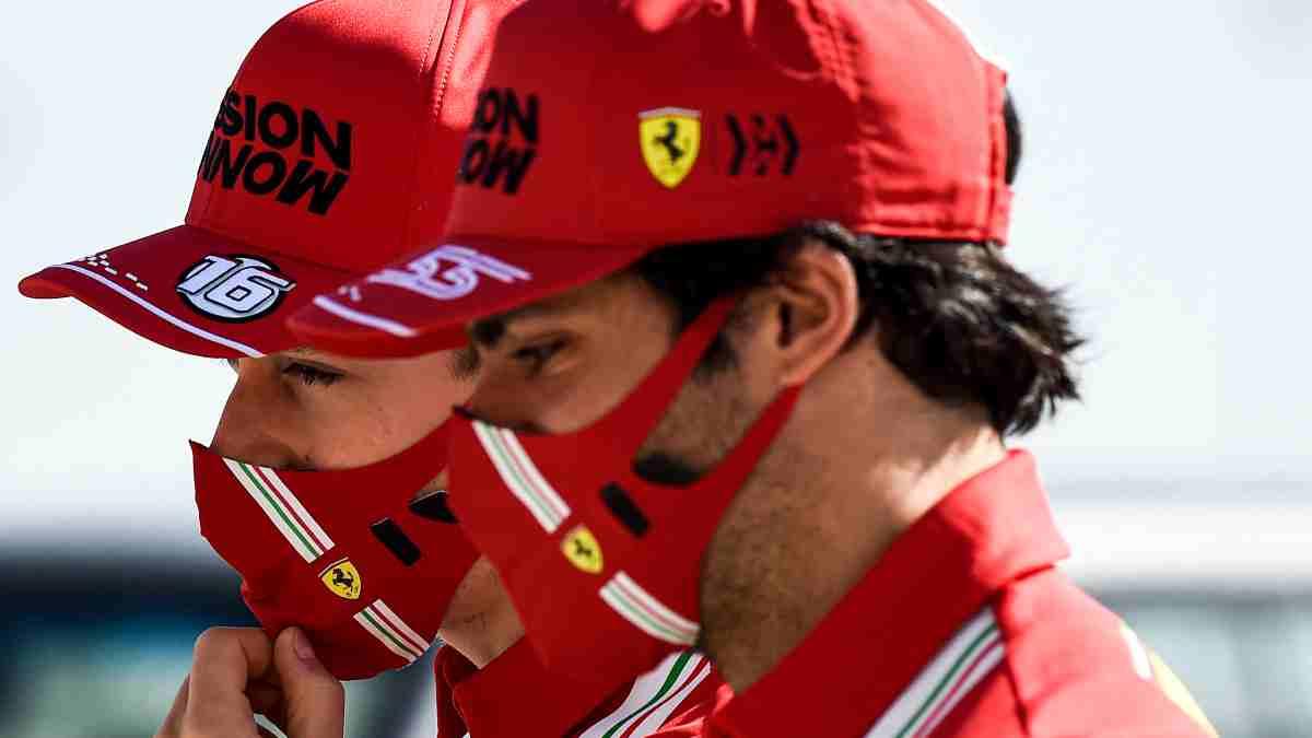Charles Leclerc y Carlos Sainz. (AFP)
