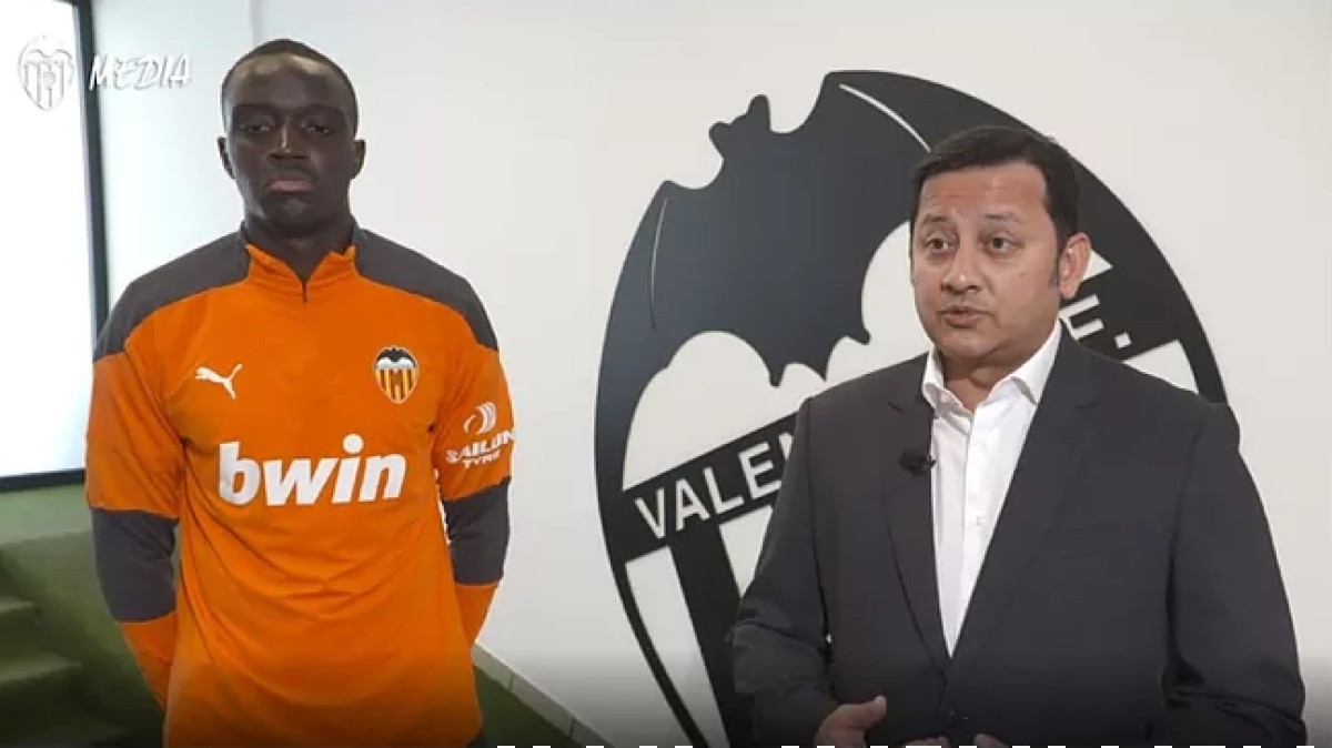 Anil Murthy, junto a Mouctar Diakhaby.