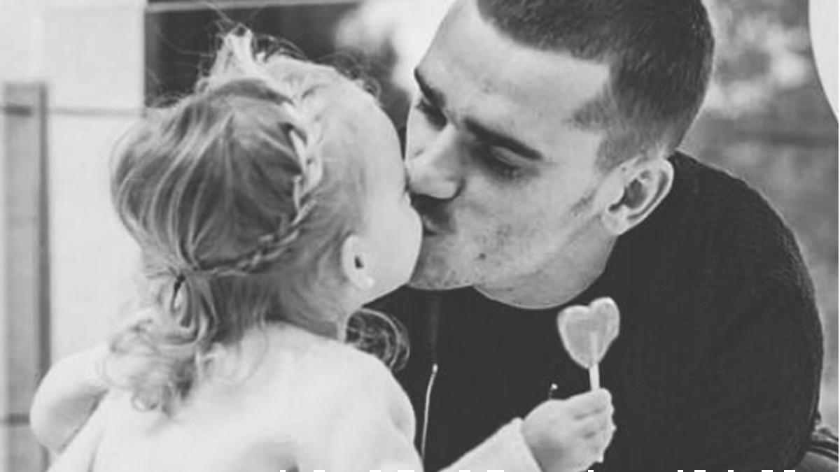 Antoine Griezmann con su hija Mia. (Instagram)