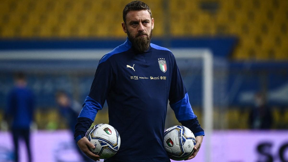 De Rossi durante la concentración con la selección italiana. (AFP)