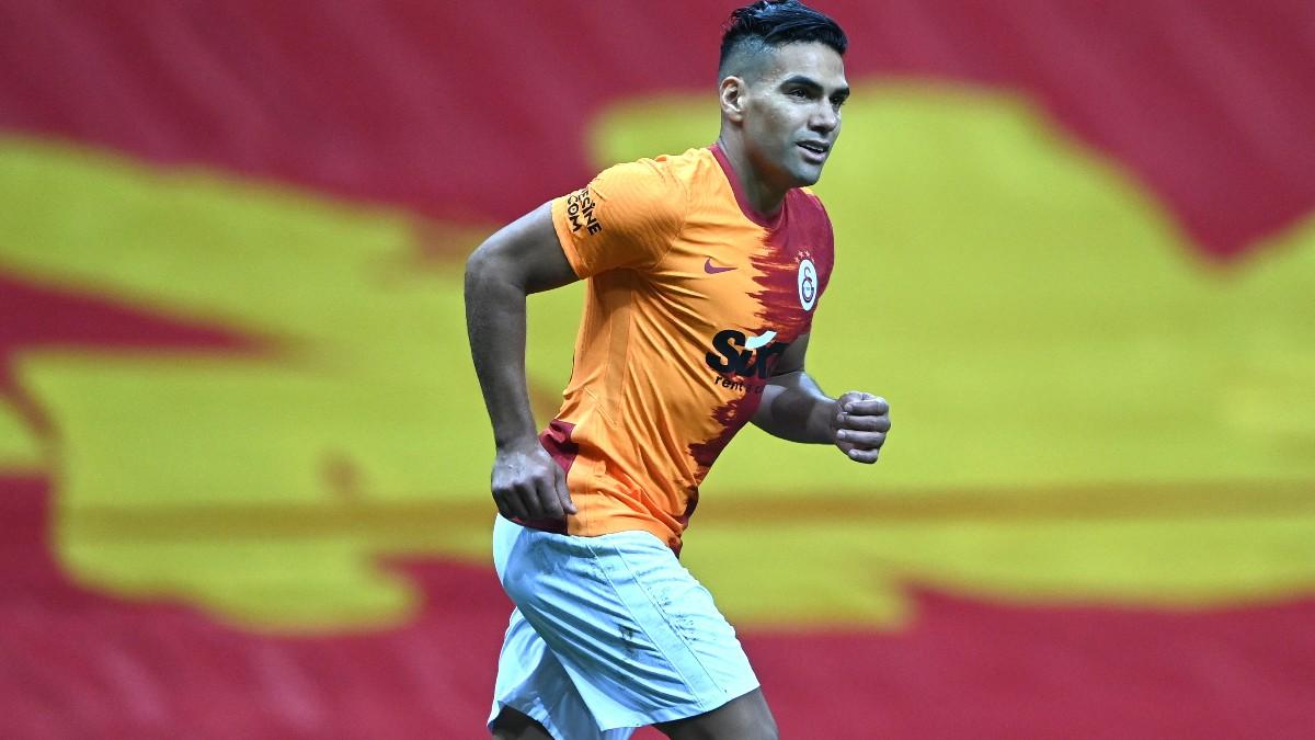 Falcao, durante un partido del Galatasaray. (AFP)