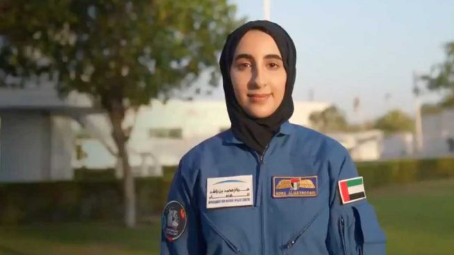 Noura al-Matrooshi, la primera mujer árabe astronauta.