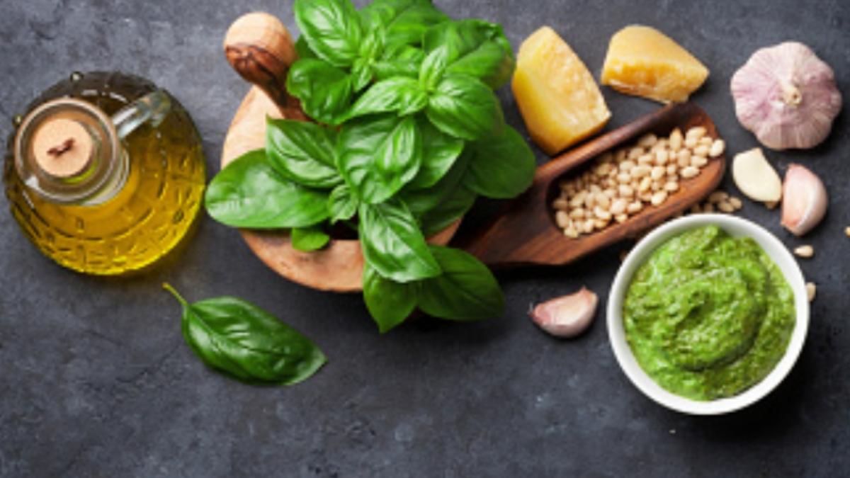 5 recetas de pesto casero, originales y saludables para todo tipo de pasta
