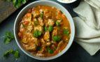 Pollo al curry al microondas, una receta espectacular lista en 10 minutos