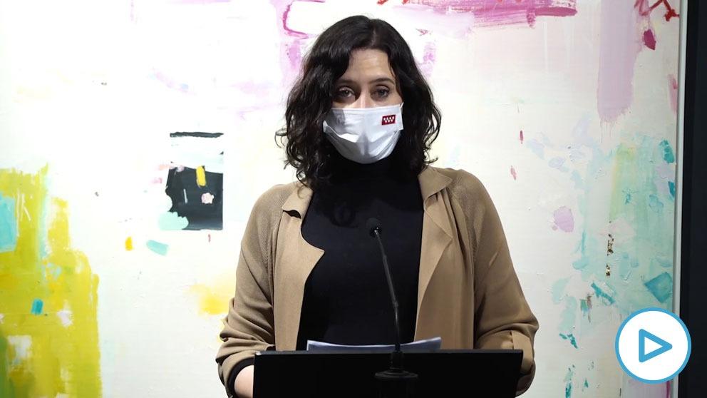 Isabel Díaz Ayuso en el Salón de Arte Moderno.