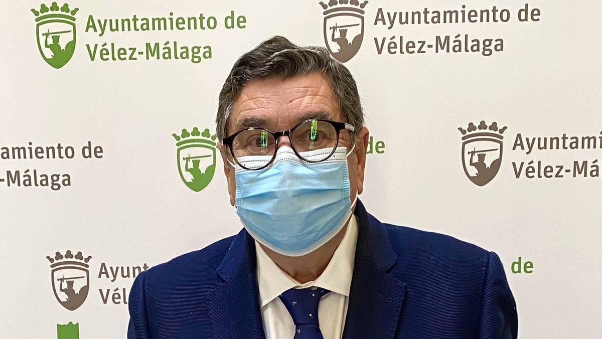 El alcalde socialista de Vélez-Málaga.