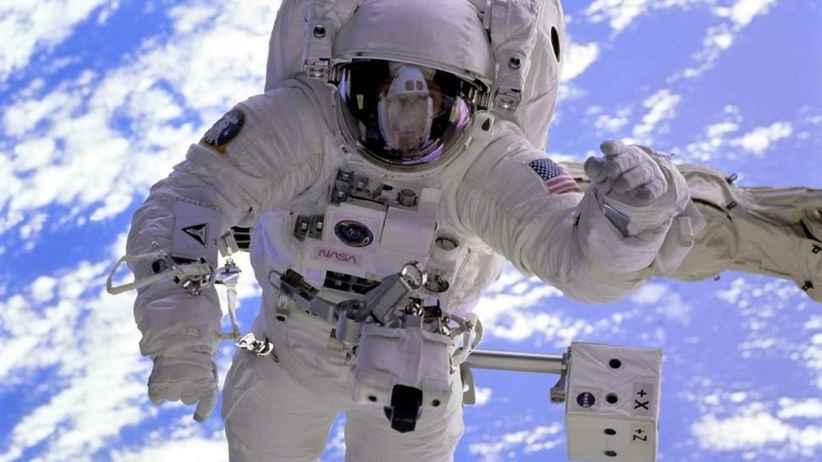 ¿Qué le sucede al cuerpo humano en el espacio?