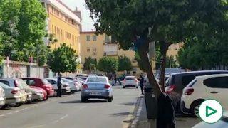 """Los gorrillas se expanden por la Sevilla de Espadas ante el hartazgo ciudadano: """"Se les paga por miedo""""."""