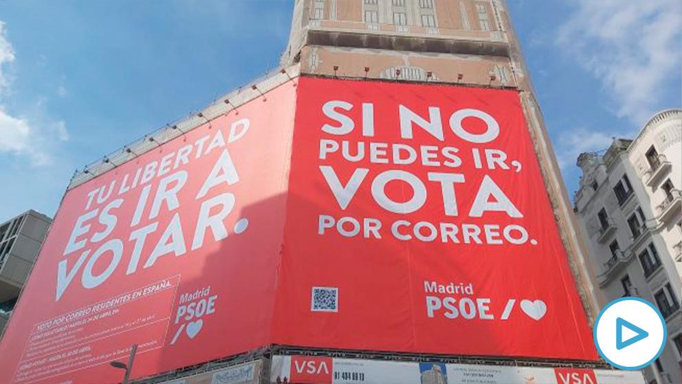 Nueva lona del PSOE en Callao.