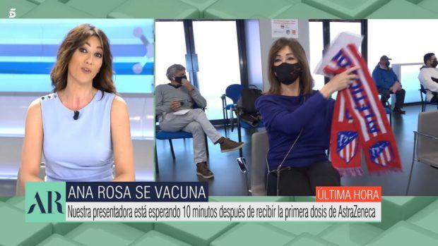 Ana Rosa no dudó en acudir con la bufanda del Atlético de Madrid para que le diera suerte