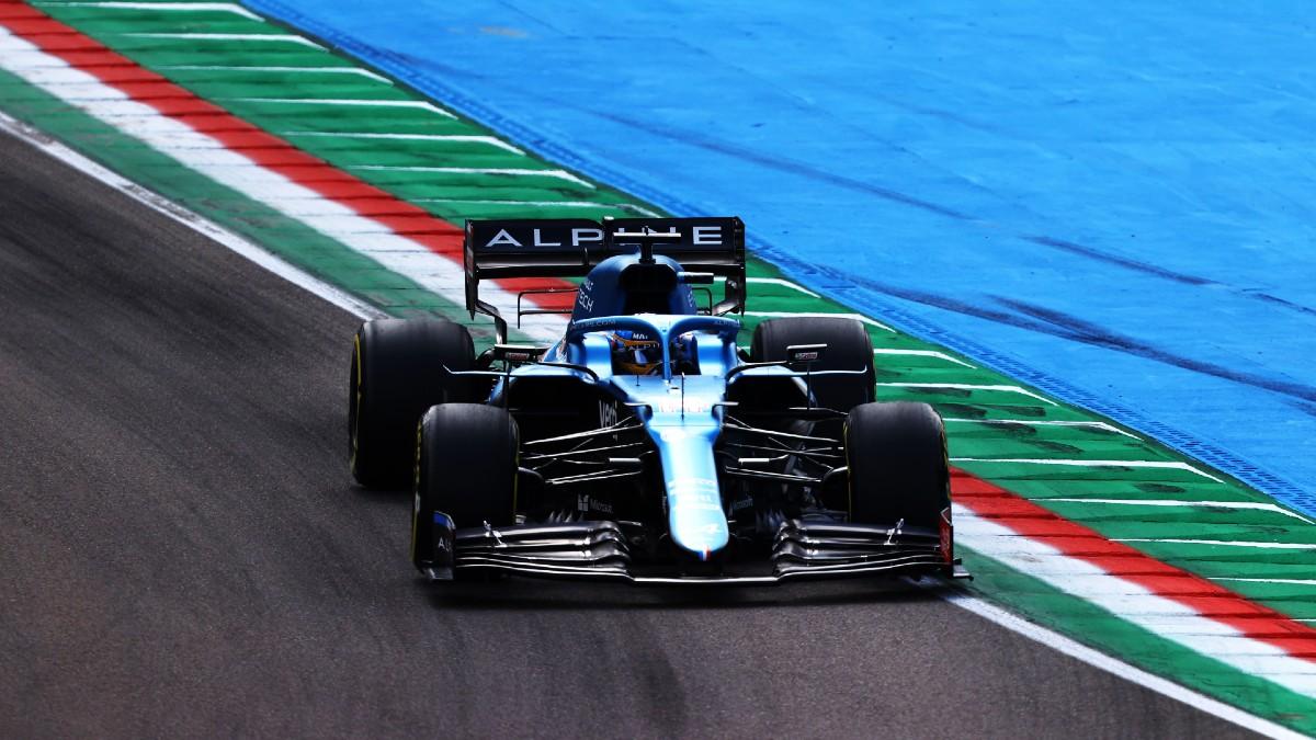 Hamilton se lleva la pole y Sainz y Alonso tendrán que remontar. (Getty)