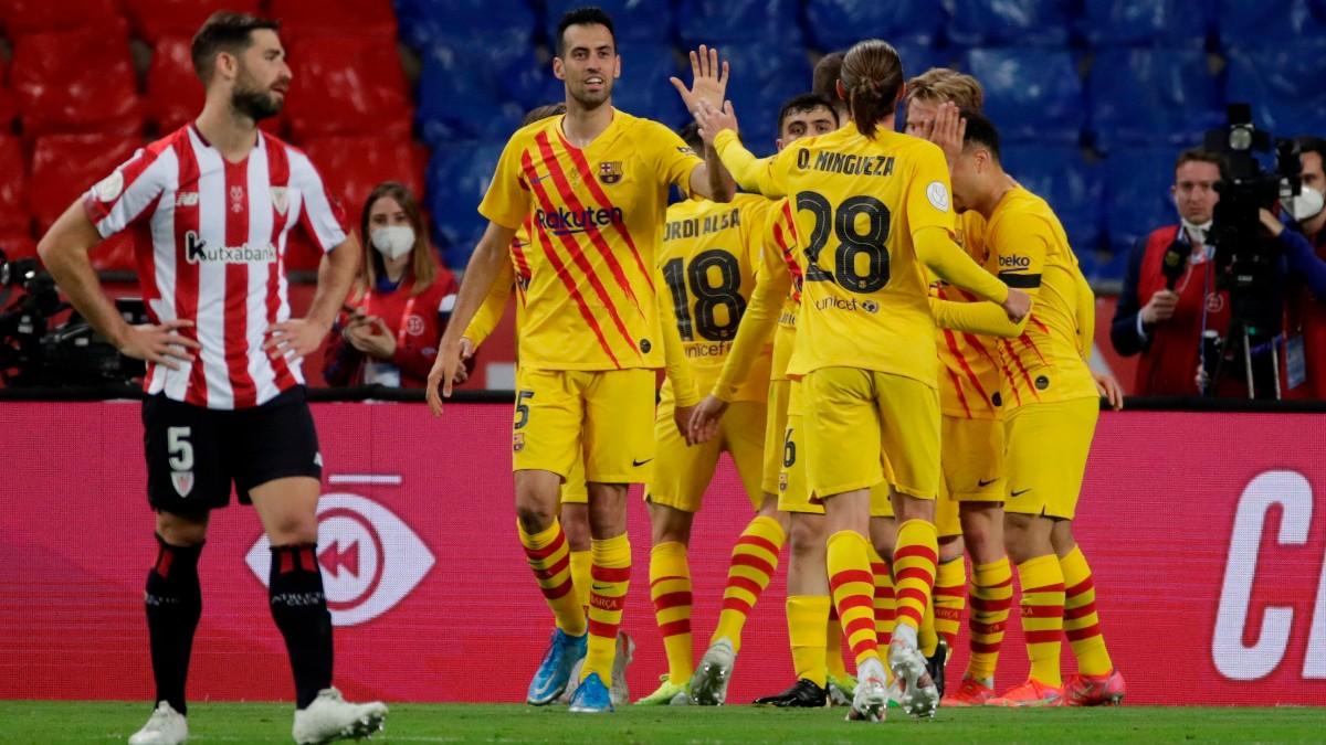 Los jugadores del Barcelona celebran un gol ante el Athletic. (EFE)