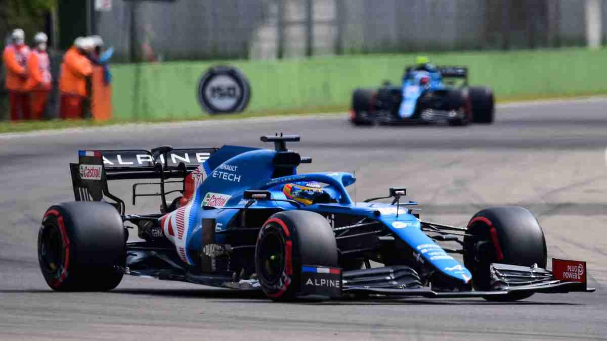 Fernando Alonso en el Gran Premio de Emilia-Romagna. (AFP)